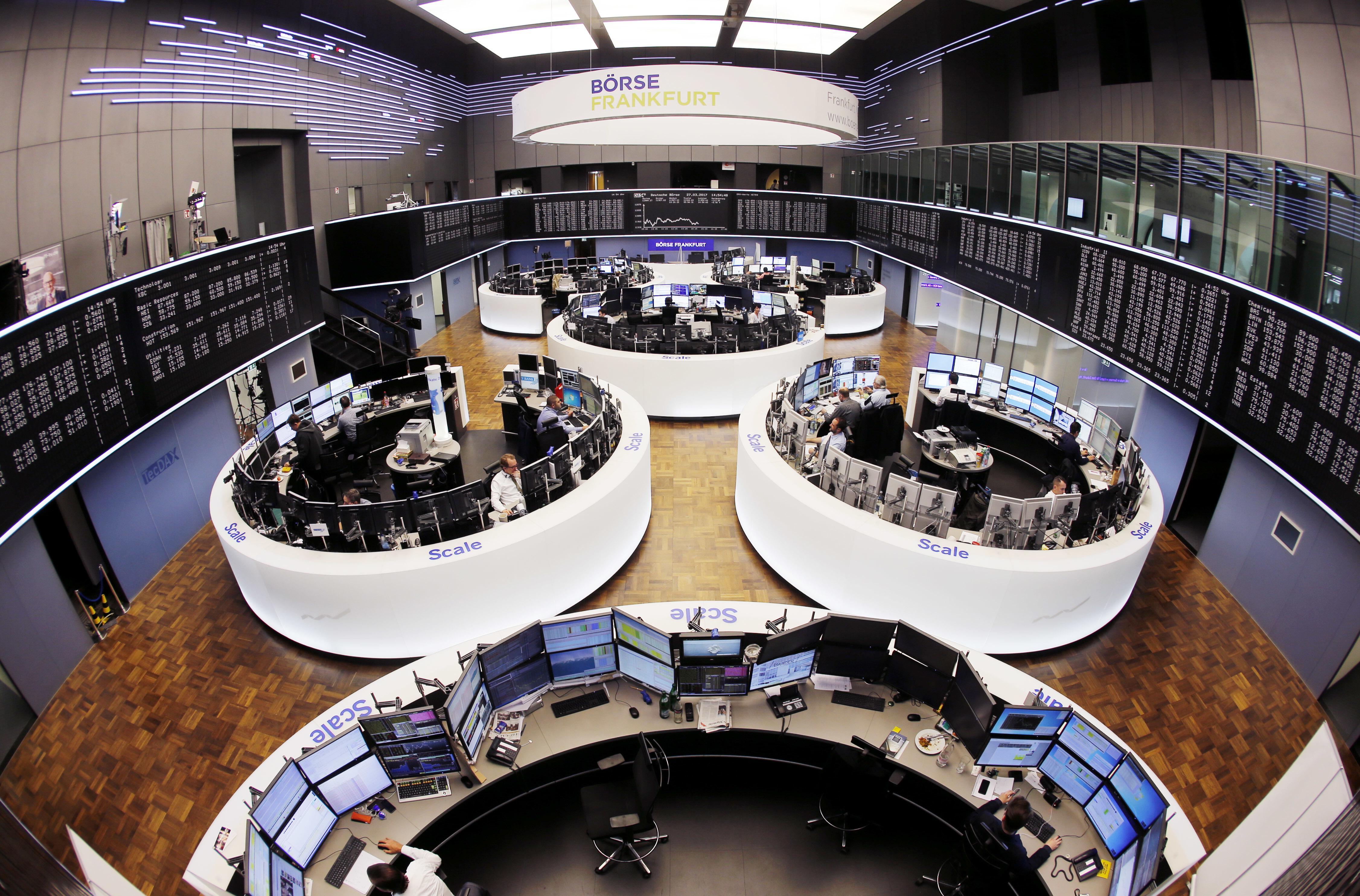 Borsa: Europa peggiora, Milano -0,6%