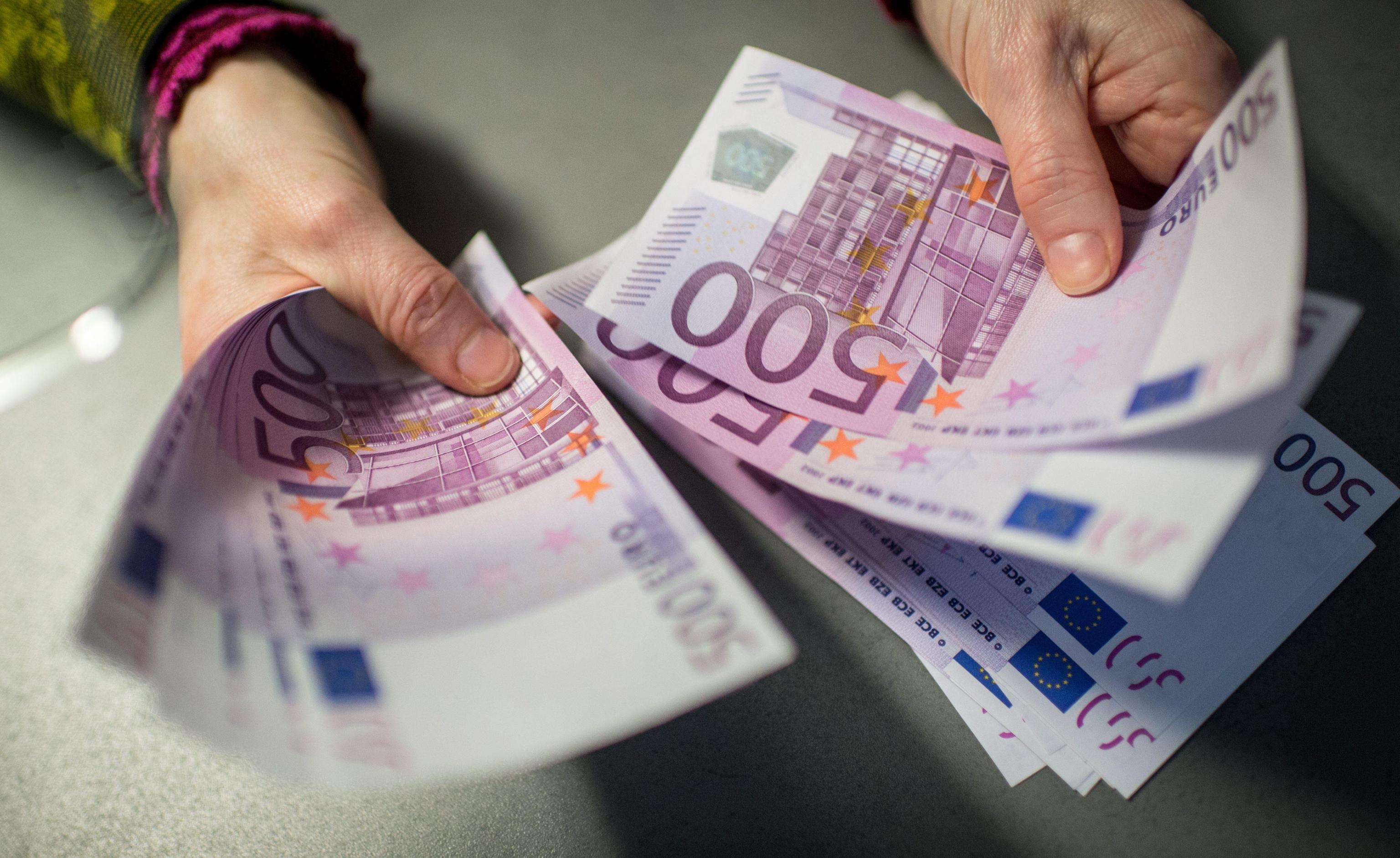 Bce: europei non rinunciano a contanti