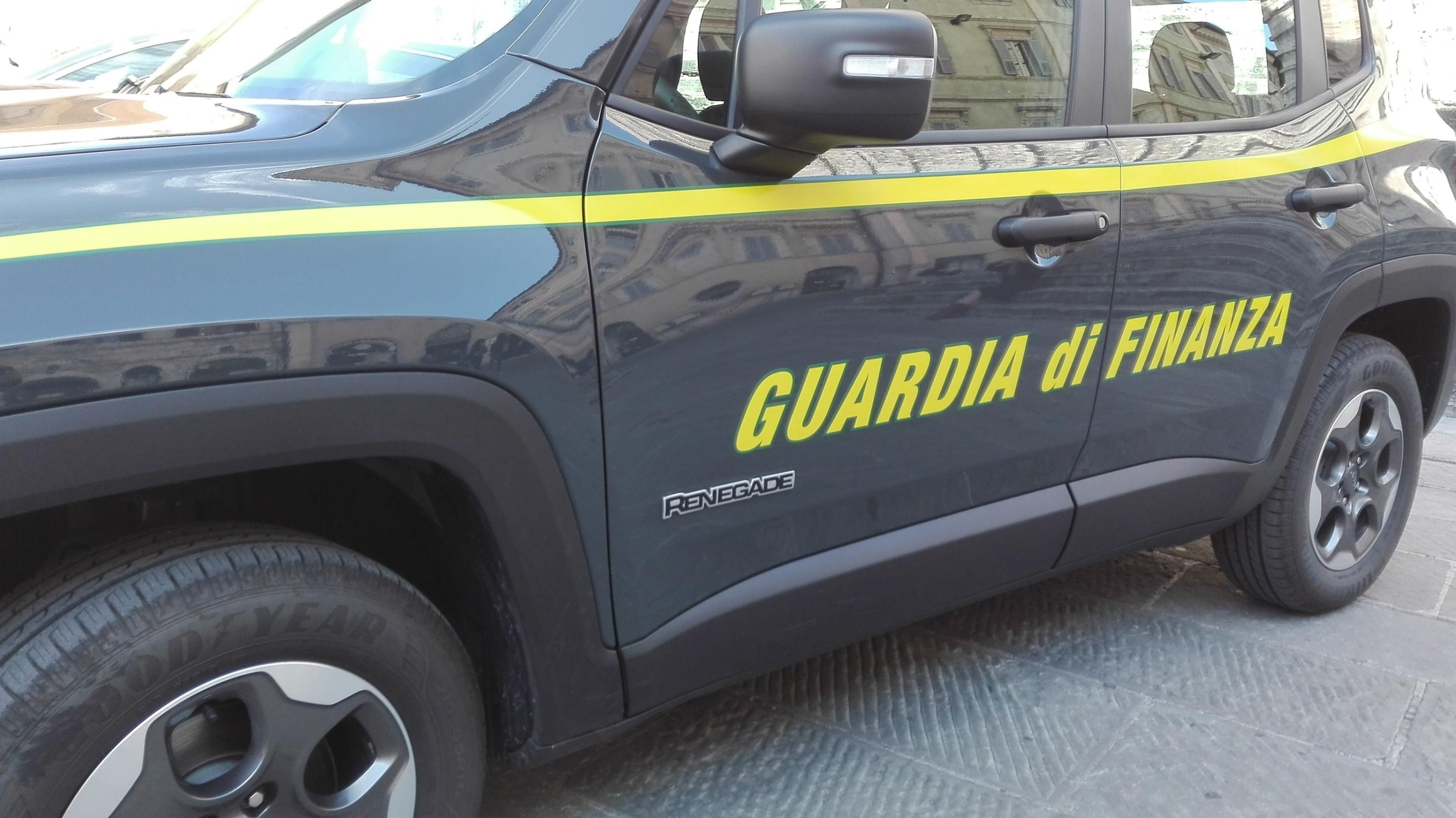 Libri fotocopiati,sequestri Gdf a Napoli