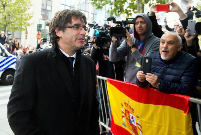 Giudice Bruxelles, Puigdemont e i suoi 4 ministri sono liberi