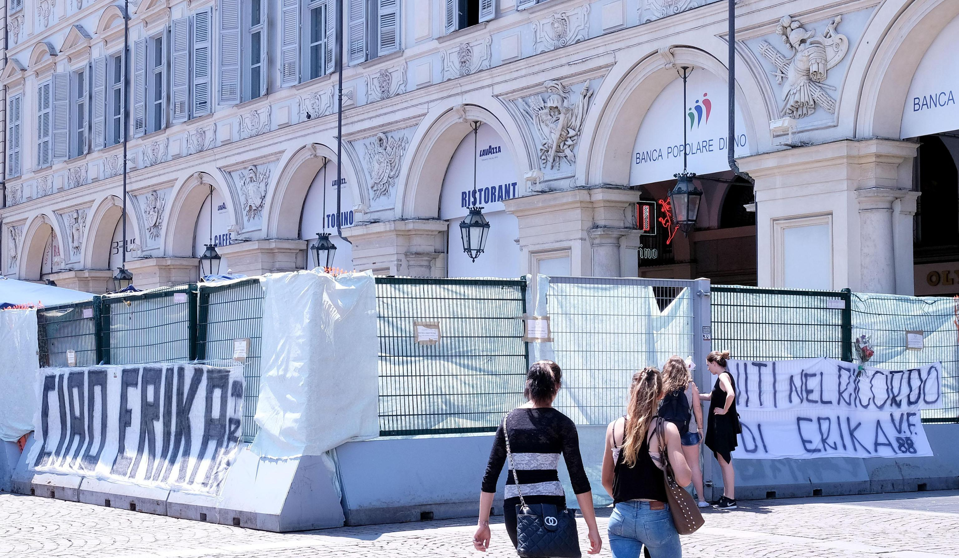 Procura dissequestra area piazza S.Carlo