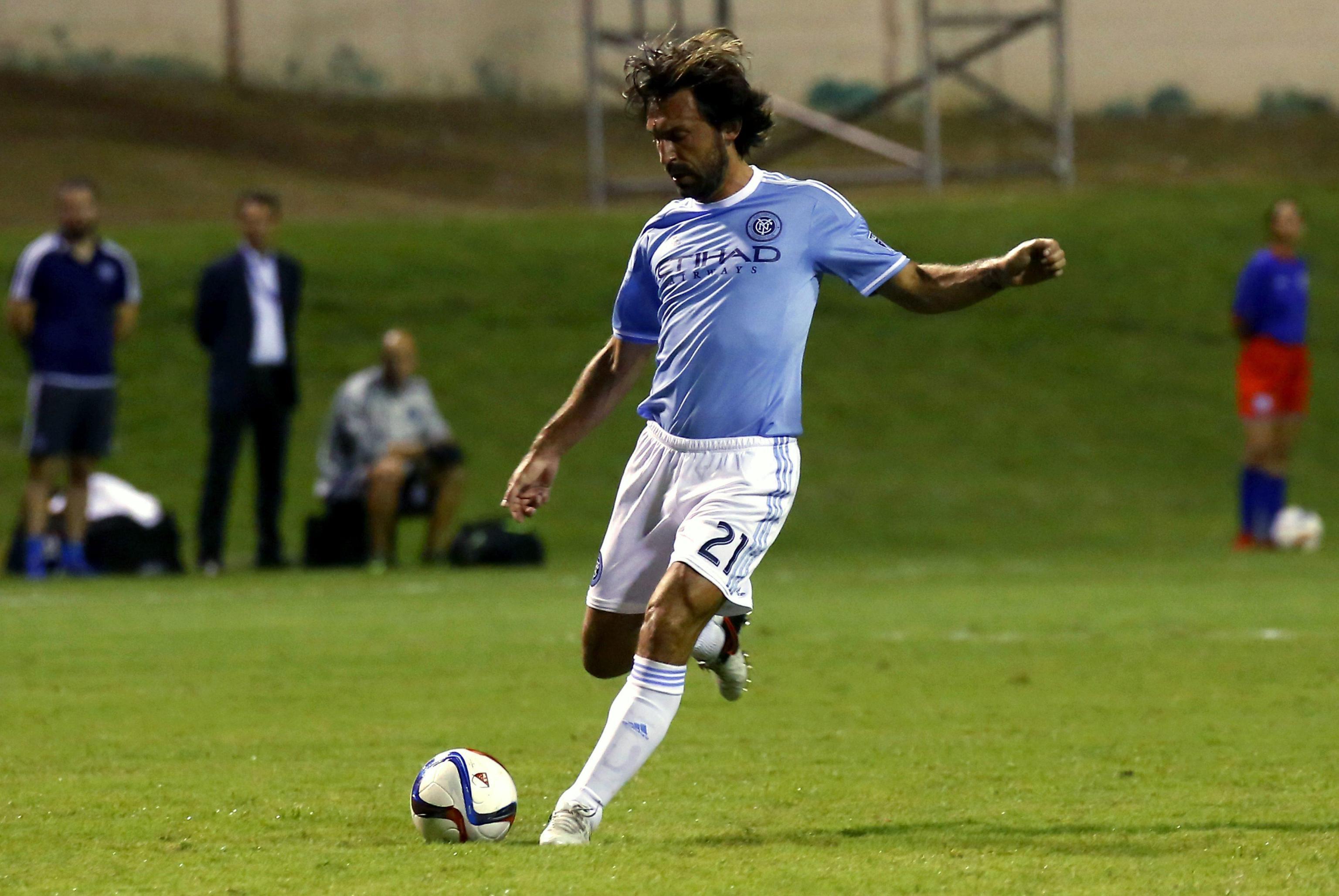 Pirlo, l'omaggio dell'Inter e di Gattuso