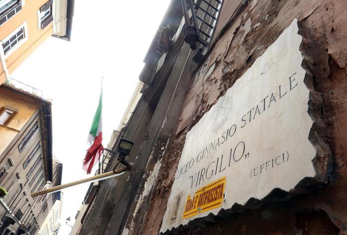 A Roma il caso del liceo Virgilio Fedeli: 'Fatti preoccupanti'