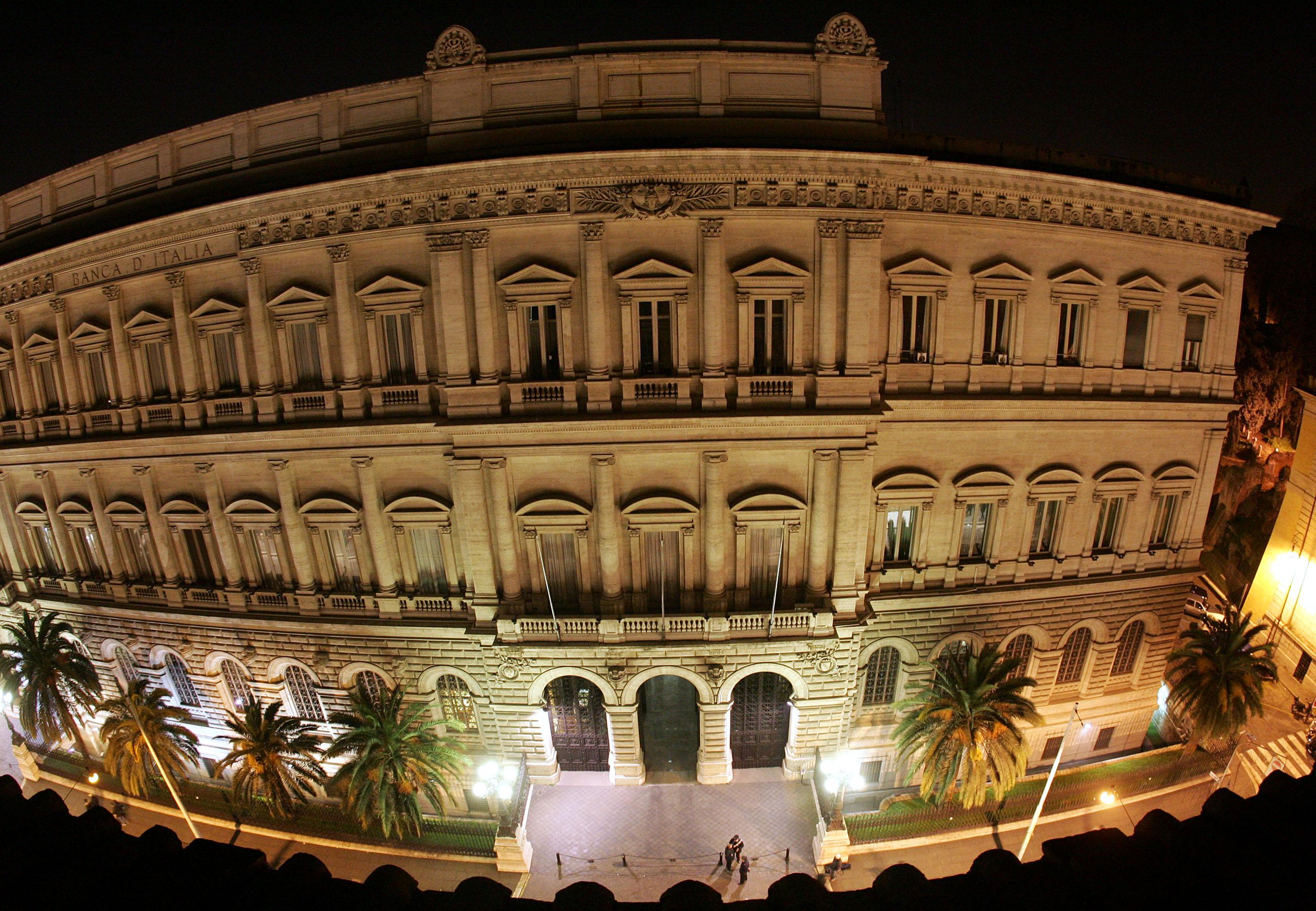 Bankitalia, Italia regge rialzo tassi