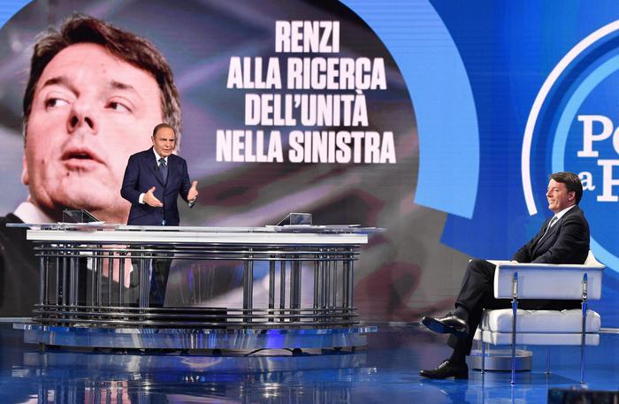Renzi: 'Se Berlusconi è candidabile lo sfido in collegio'