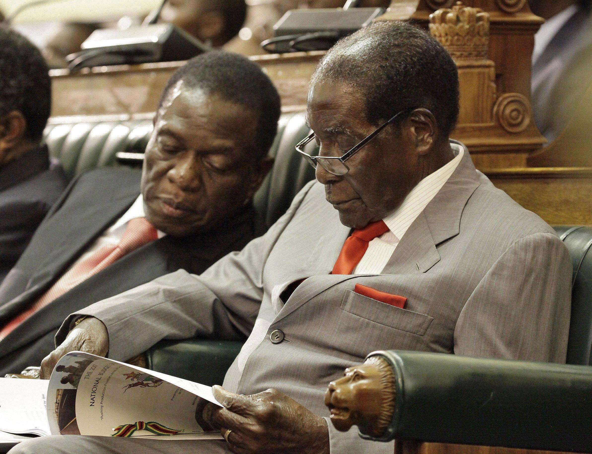 Zimbabwe: Mugabe espulso dal partito