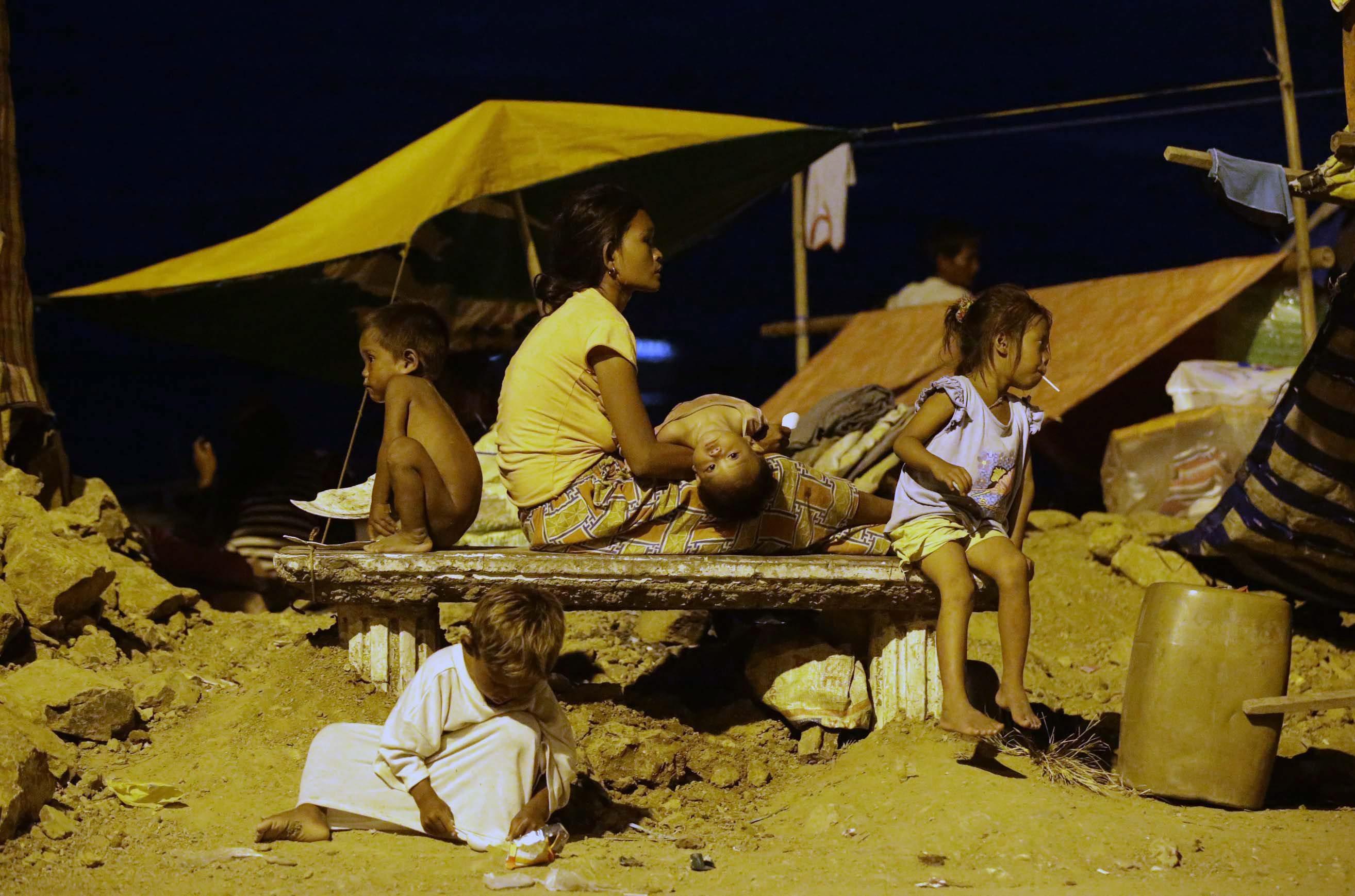 Filippine: scontri esercito-ribelli