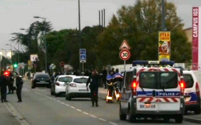 Francia: si lancia in auto sugli studenti, almeno tre feriti