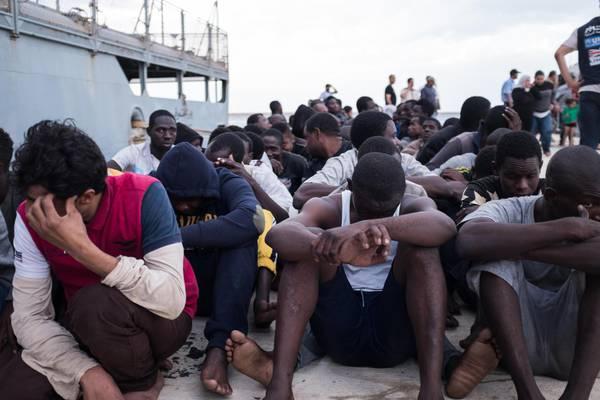 Migranti, affondo di Amnesty sulle torture contro Italia e Ue