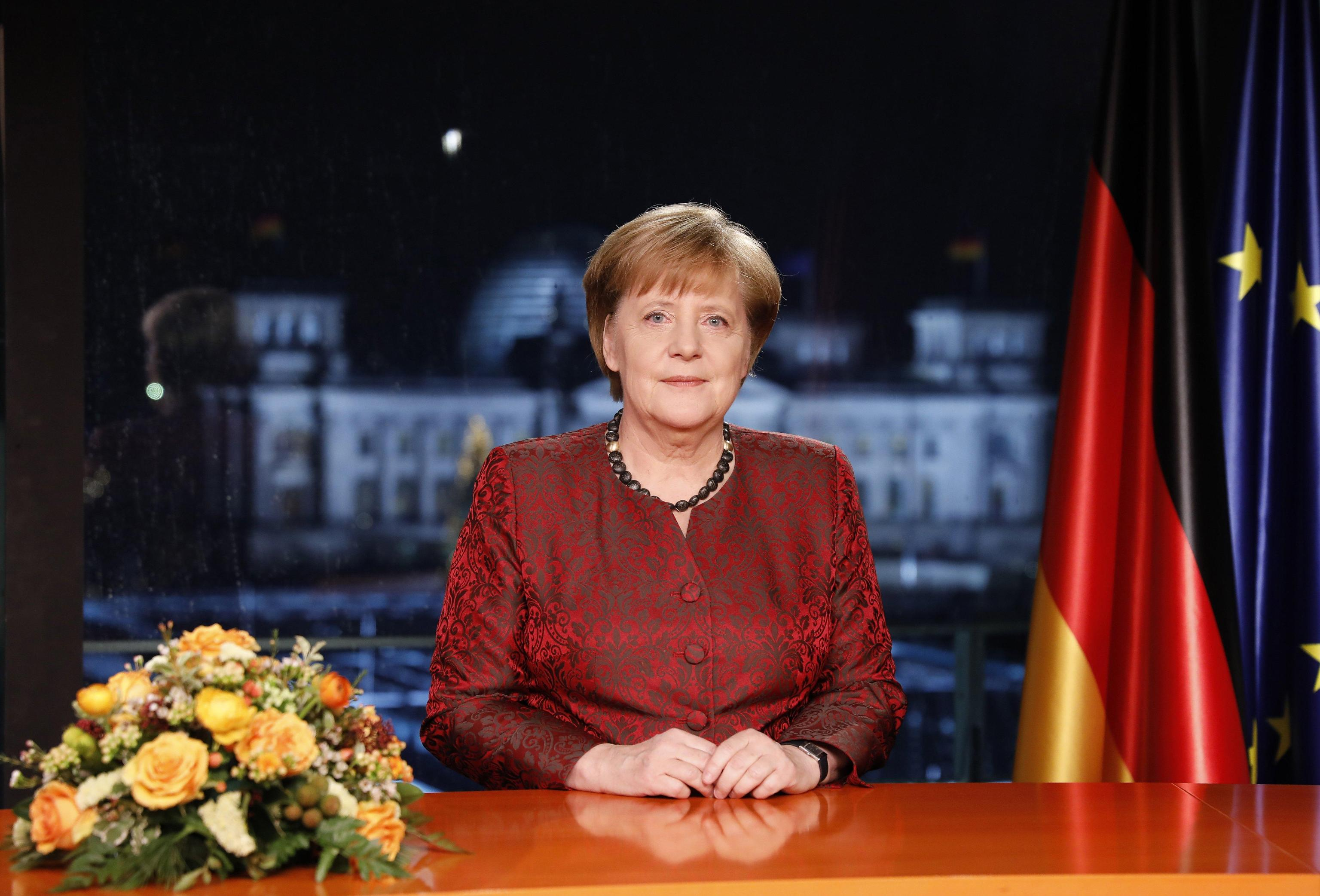 Germania: Merkel, governo in tempi brevi