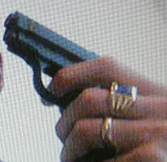 Sembrava overdose, ucciso da proiettile