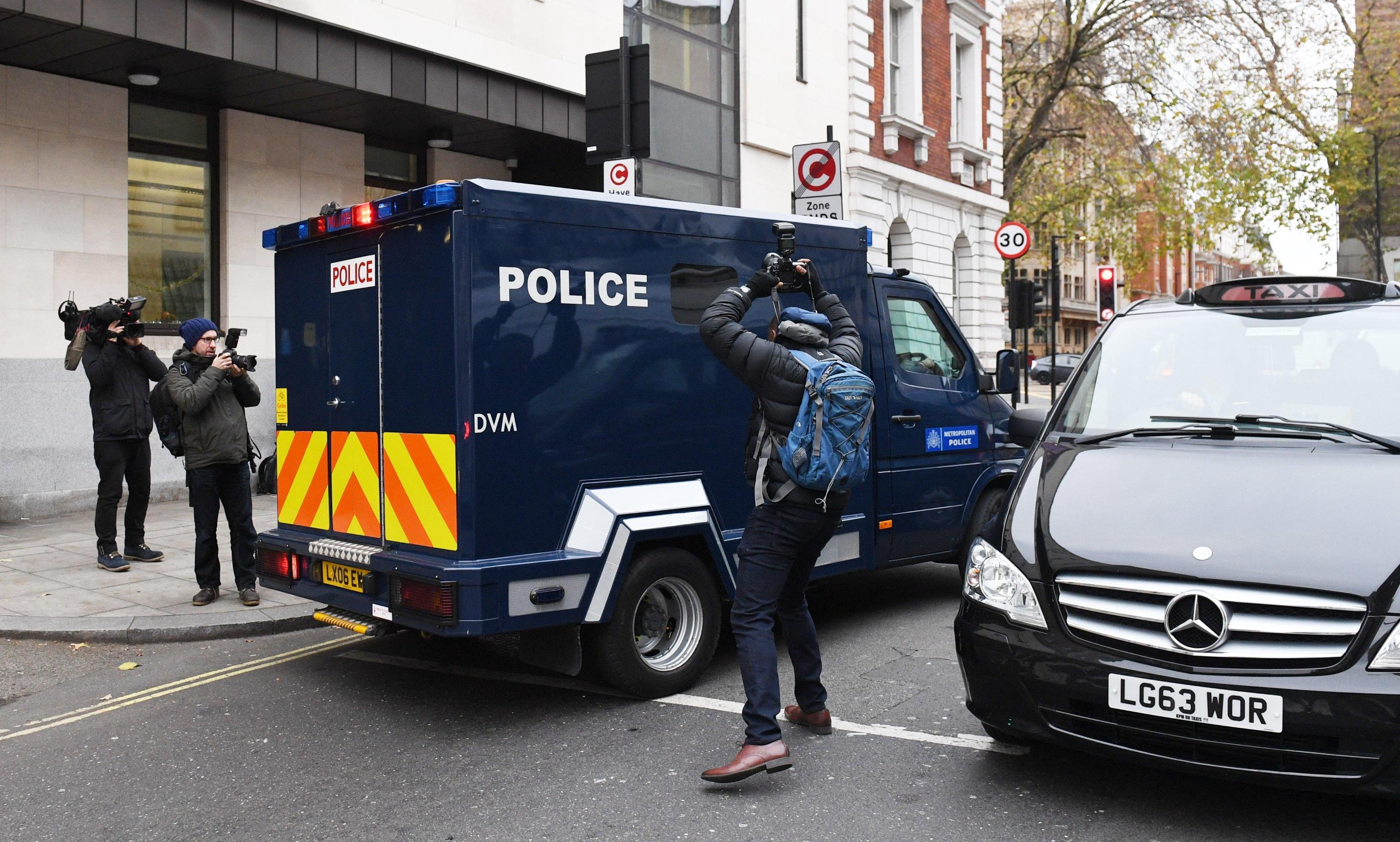 Gb: investiti due poliziotti a Londra