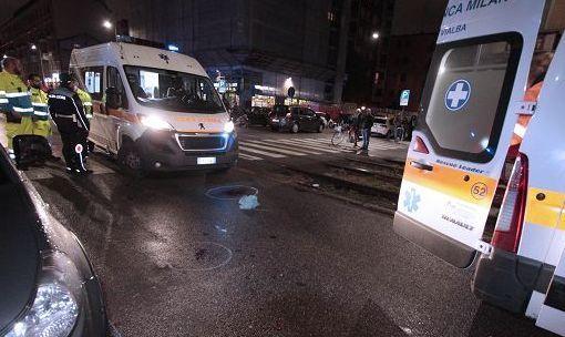 Scontro con un autocarro, morti sul colpo 3 giovani a Saronno