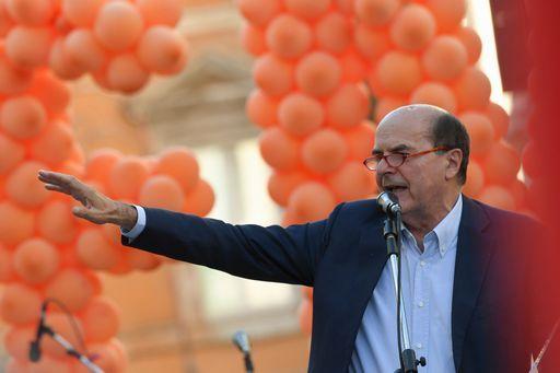 Bersani dice che per combattere i fascisti serve la sinistra