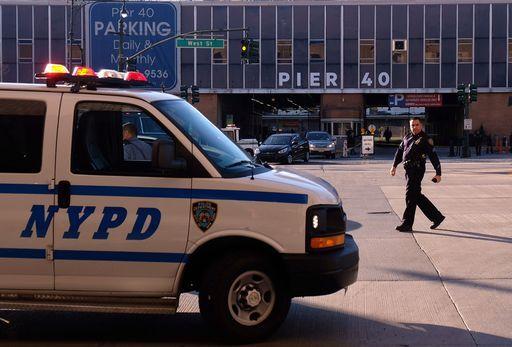 Pedoni travolti da un'auto a New York (l'uomo alla guida è fuggito)
