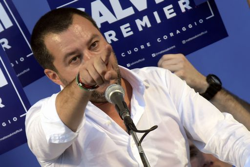 Salvini dice di essere minacciato su Fb: vediamo se vi scandalizzate
