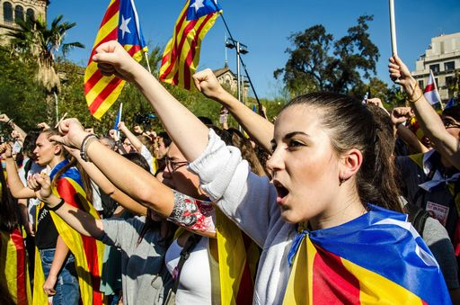 Catalogna, sondaggi: indipendentisti a un seggio da maggioranza