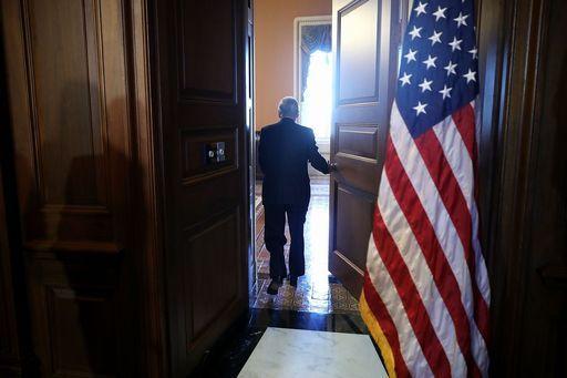 La Corte Suprema dà l'ok al travel ban di Trump