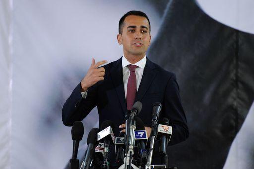 """Elezioni, Di Maio: M5S non fa alleanze e non """"apre"""" a nessuno"""