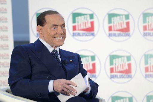 Silvio Berlusconi dice che è stato vittima di un colpo di stato