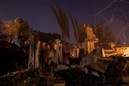 Incendi in California, sindaco Los Angeles: pronti a evacuare