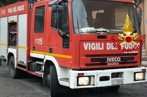 Incendio in un'azienda chimica, 2 ustionati a Torino