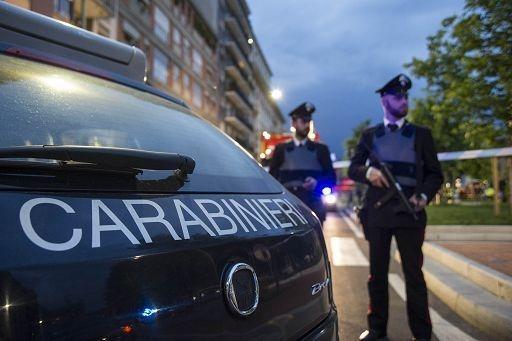 Ordigno esplode davanti a una stazione dei carabinieri a Roma