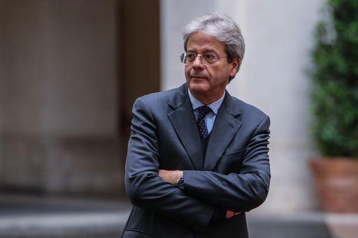 """Gentiloni dice che l'Italia cresce in maniera """"imprevedibile"""""""