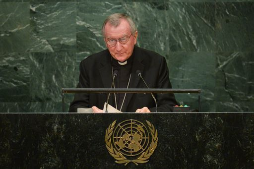 """No all'eutanasia e no all'accanimento terapeutico"" (Parolin)"