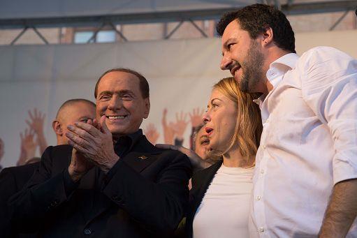 Tensioni tra Salvini e Berlusconi (a rischio il faccia a faccia)