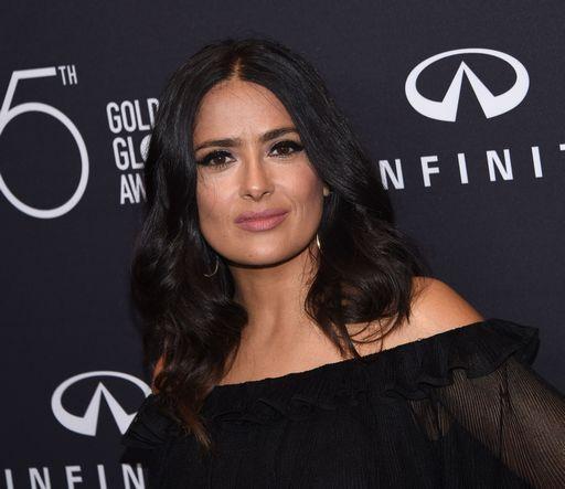 """""""Weinstein mi guardava mentre facevo la doccia"""" (Salma Hayek)"""