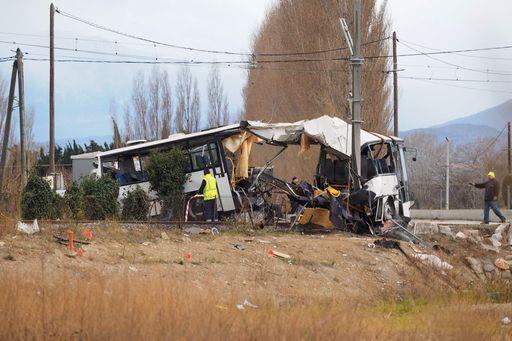 Sono 6 i ragazzi morti nello scontro tra treno e scuolabus in Francia