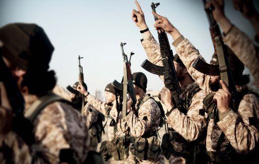 Siria, Difesa Russia: istruttori Usa addestrano terroristi Isis