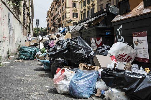 """""""Le polemiche sui rifiuti non fanno bene a Roma"""" (Raggi)"""
