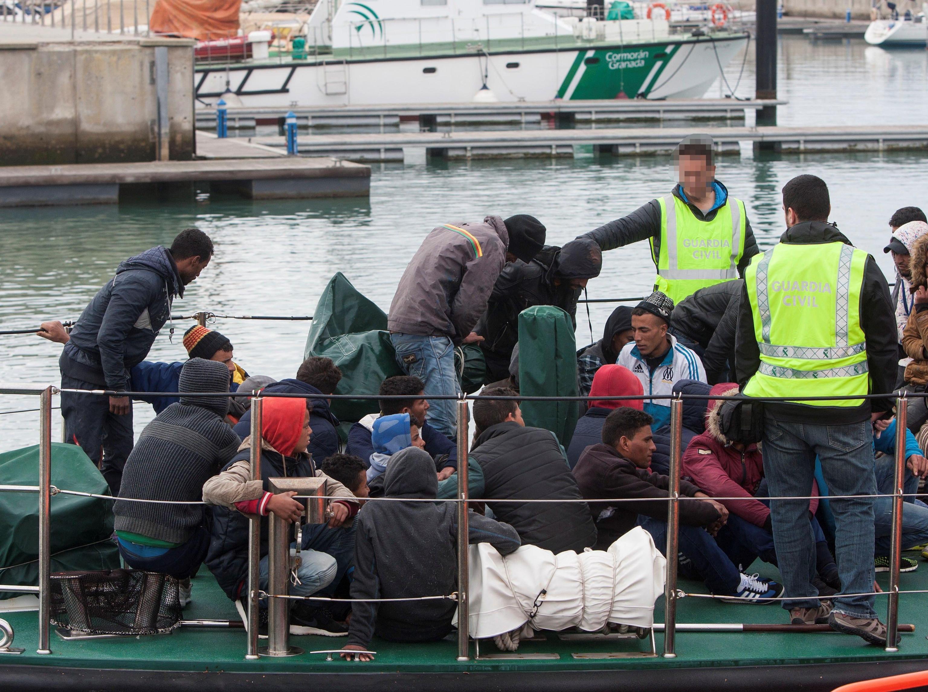 Migranti: Amnesty accusa governi Ue