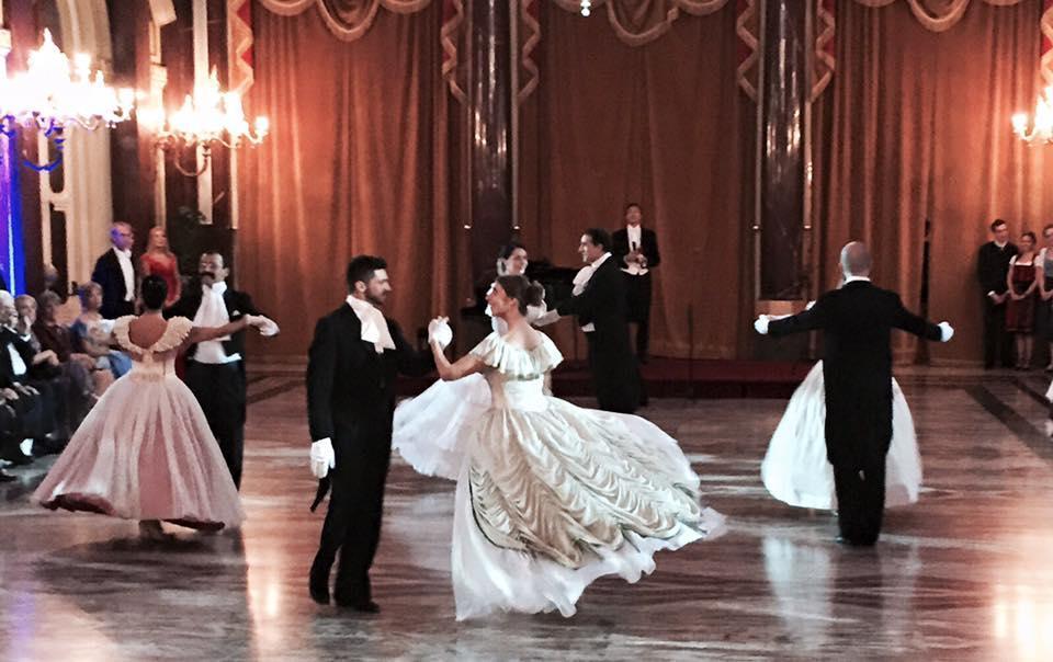 Valzer e frac, Gran Ballo su note Liszt