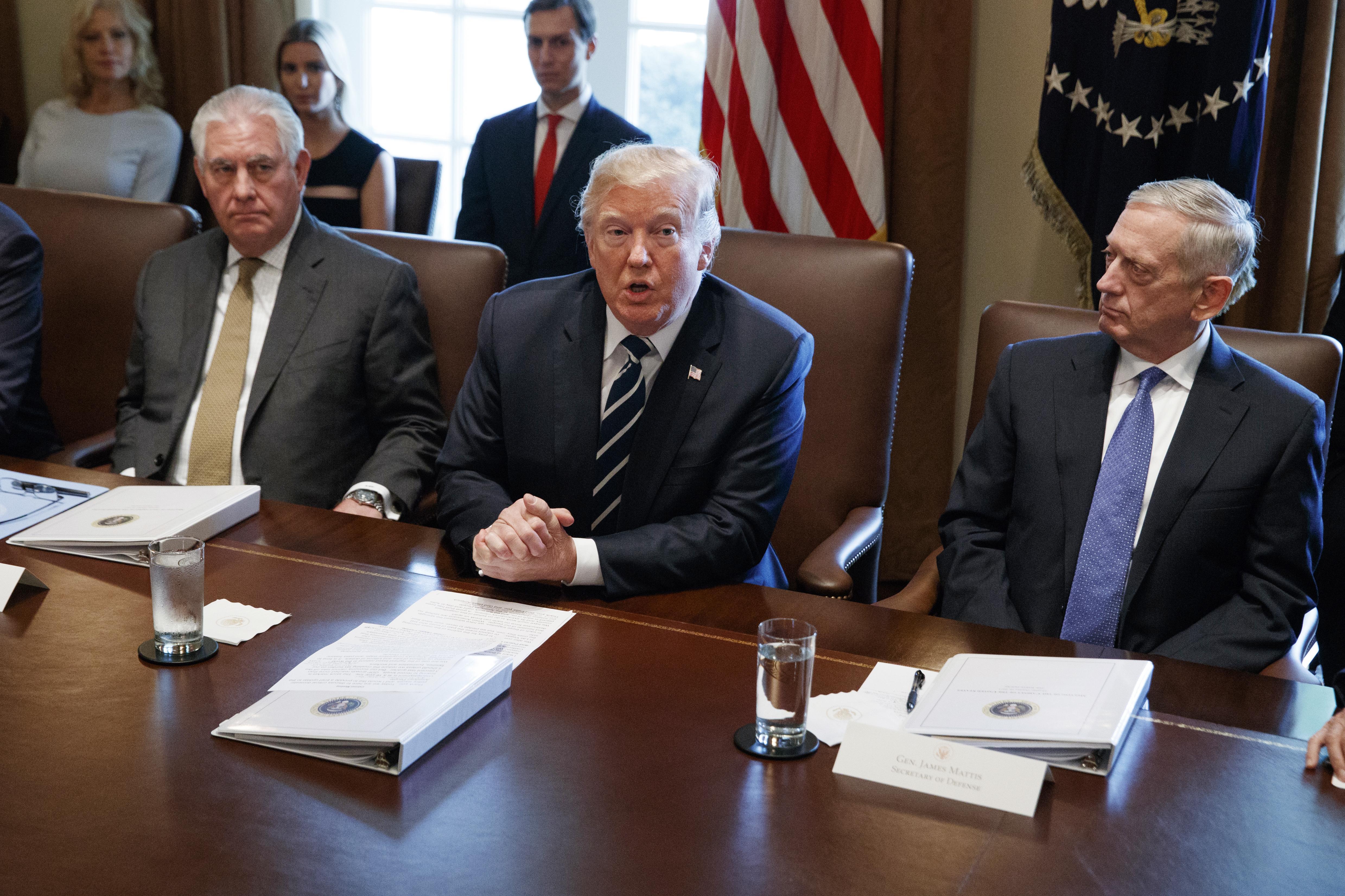 Usa: pranzo Trump-Tillerson-Mattis