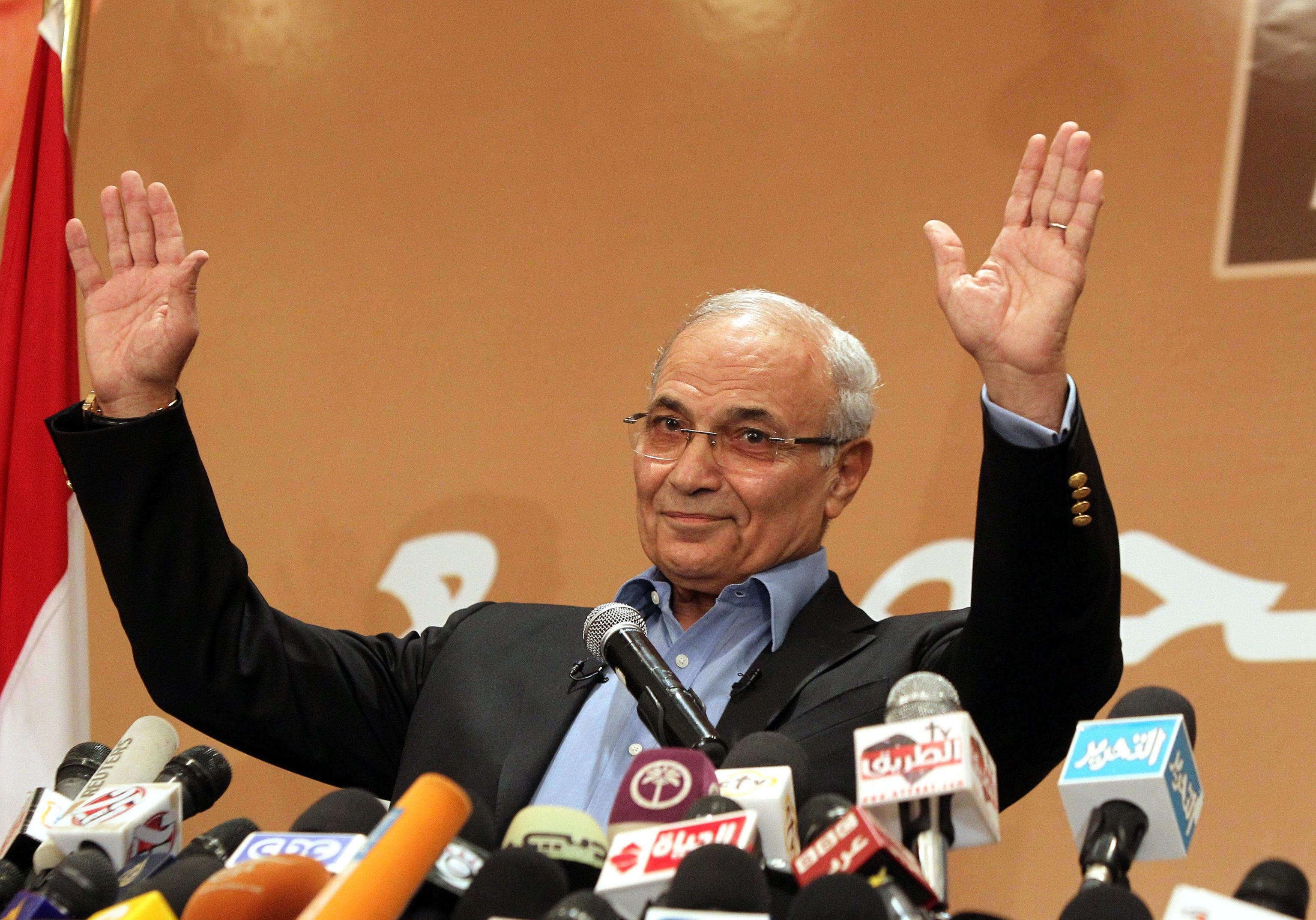 Egitto: Shafiq torna al Cairo da Eau