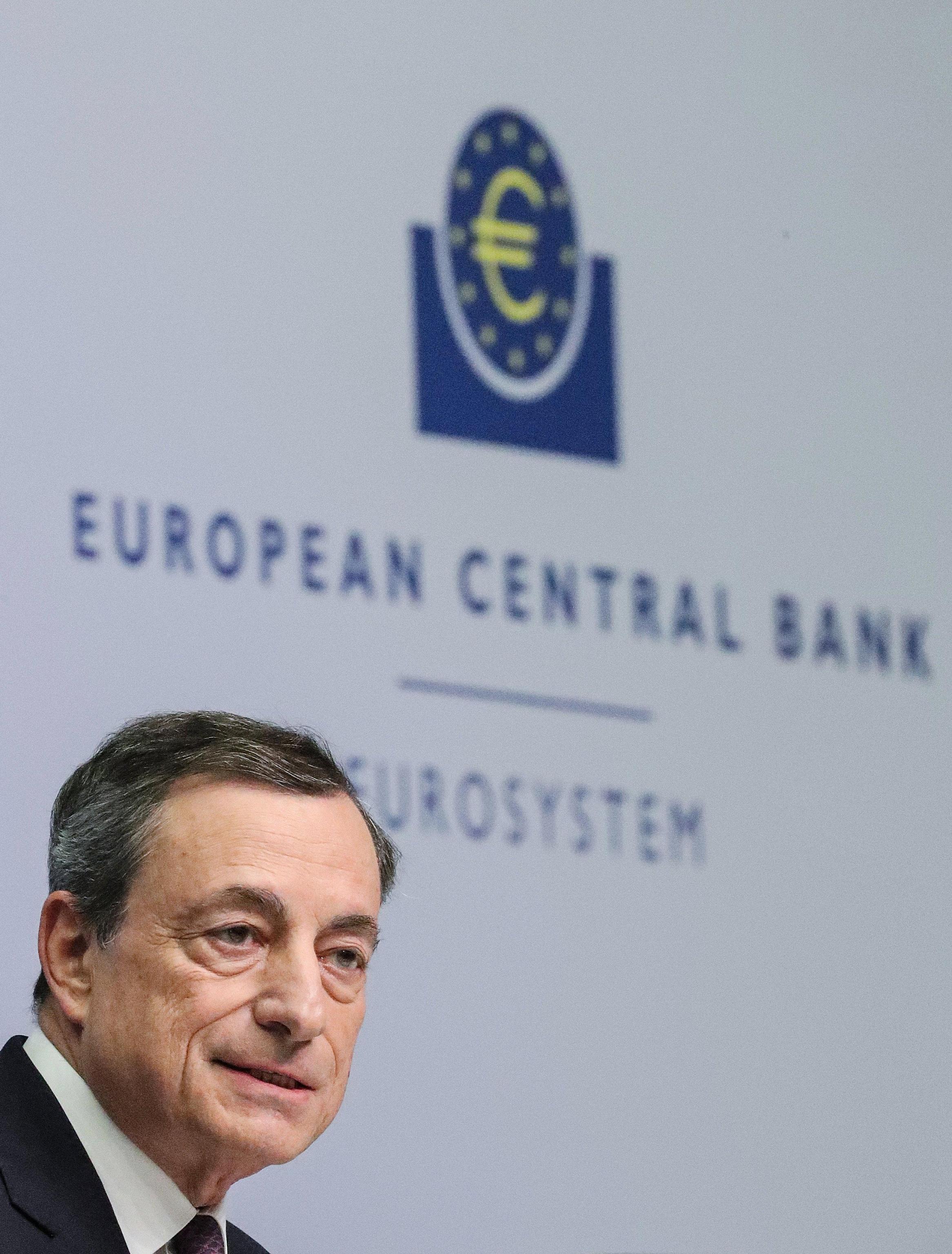 Cambi: euro in rialzo a 1,1793 dollari