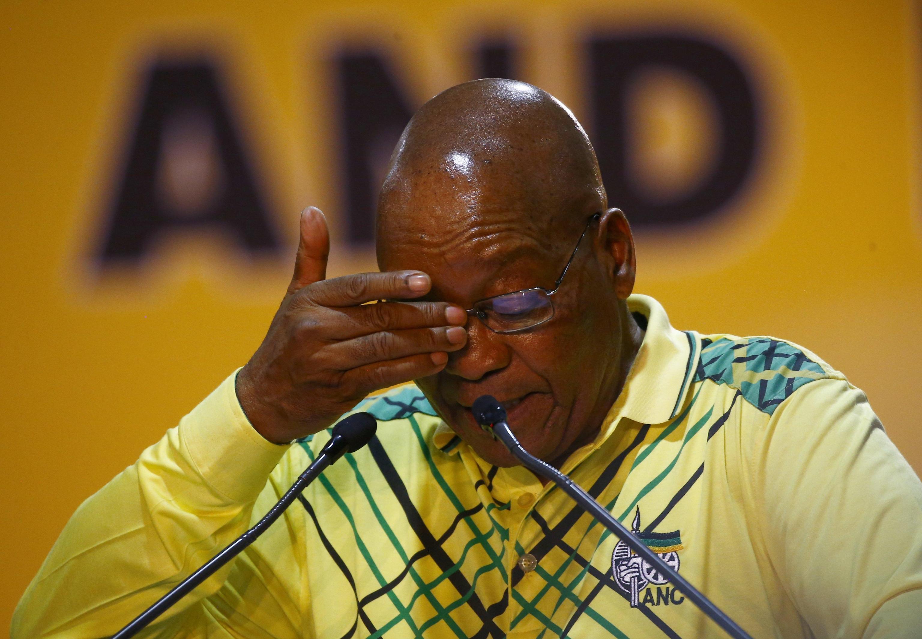 Sudafrica: partito Zuma vota successore