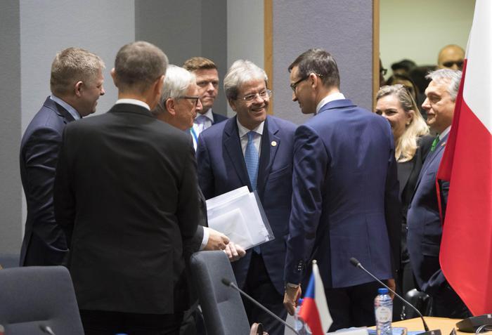 Gentiloni: 'Quote obbligatorie di migranti sono il minimo'
