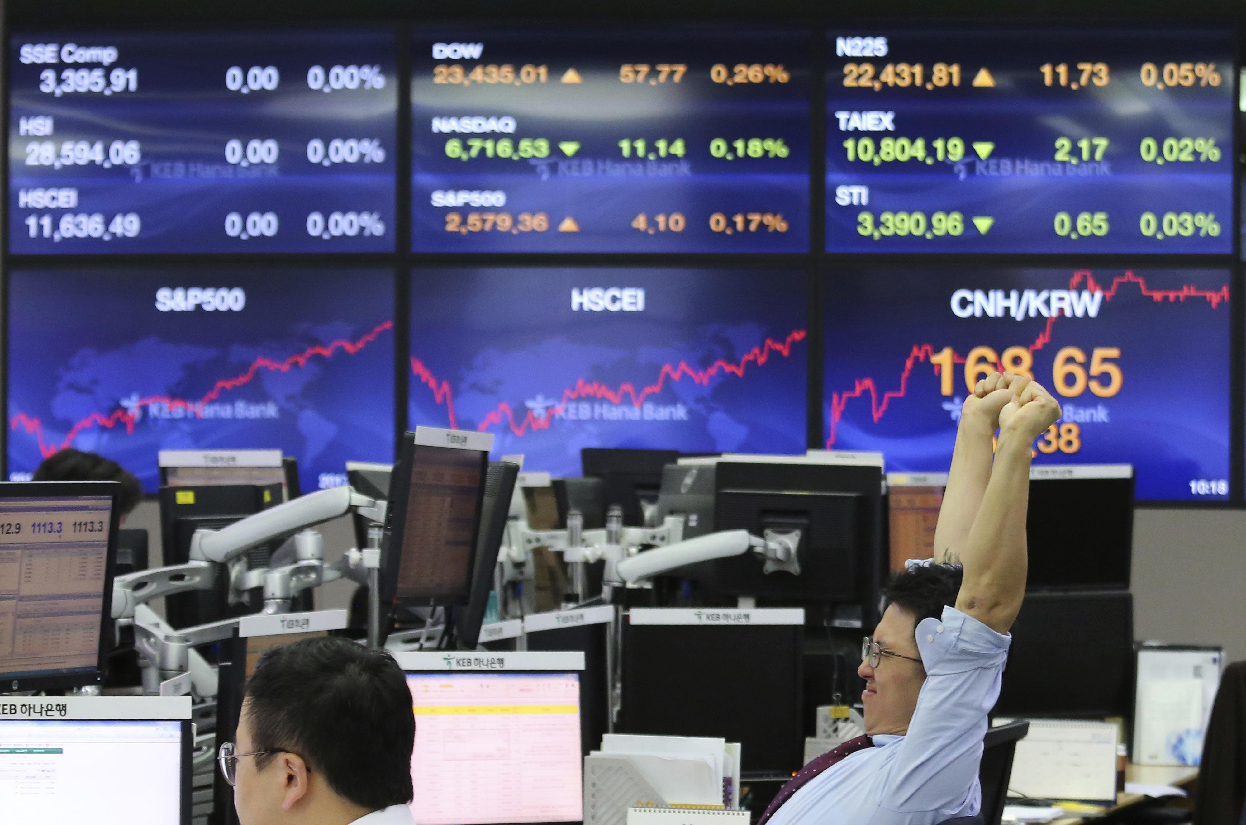 Borsa: Asia chiude settimana in rosso