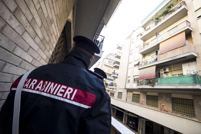 Abusi su minori, arrestato sacerdote a Catania