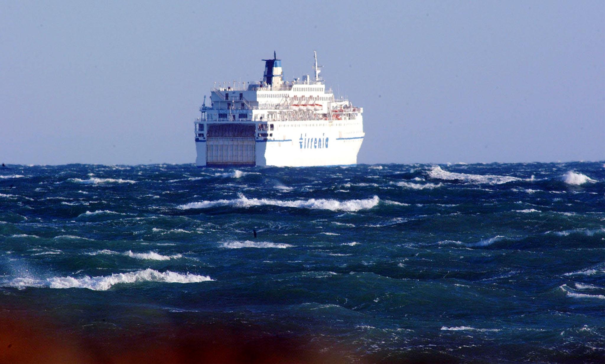 Traghetti nord Sardegna fermi per 24 ore