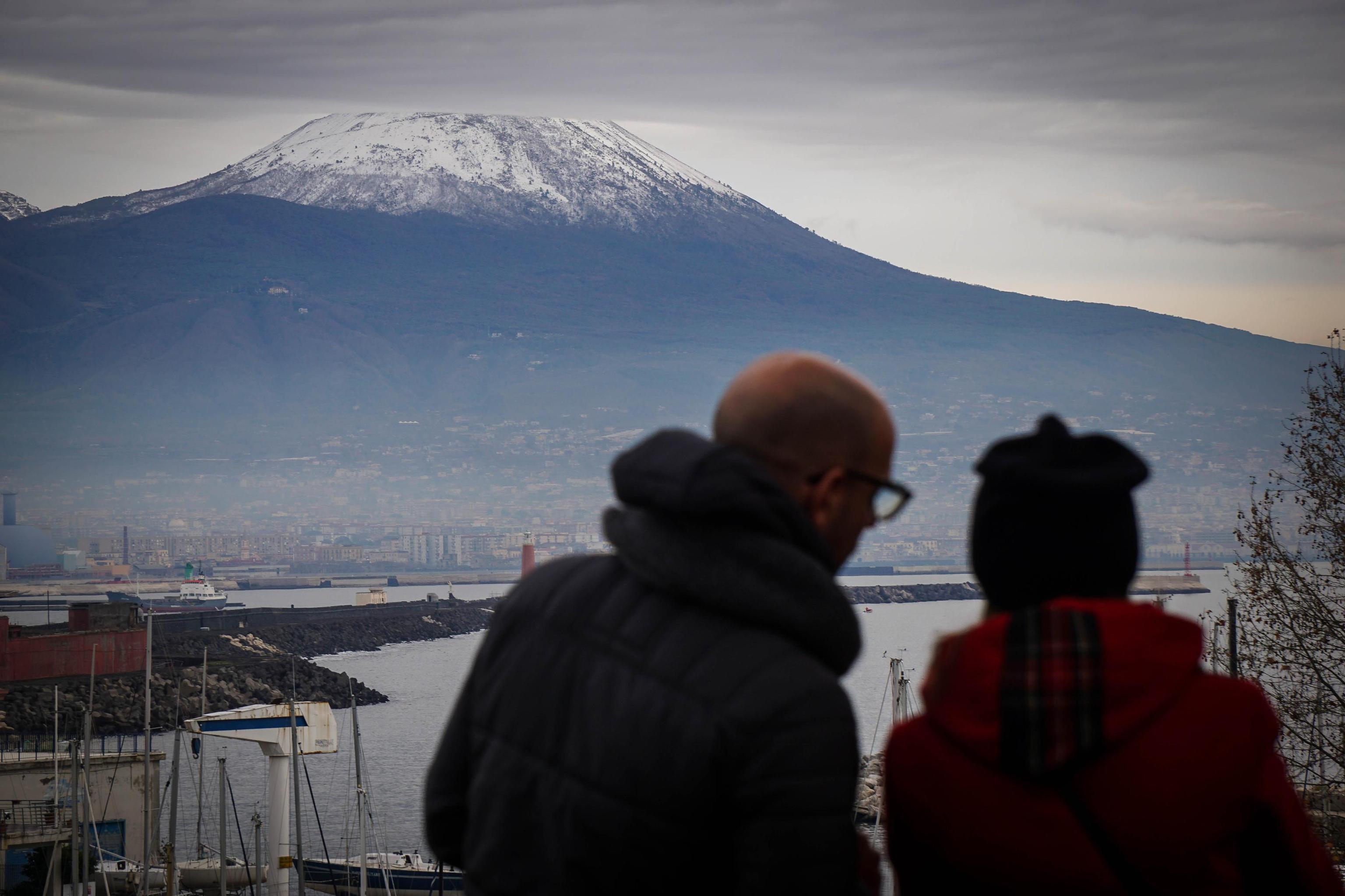 Vesuvio innevato, temperature in calo
