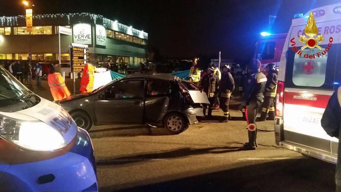 Schianto a Saronno, muoiono tre ragazzi, altri due feriti