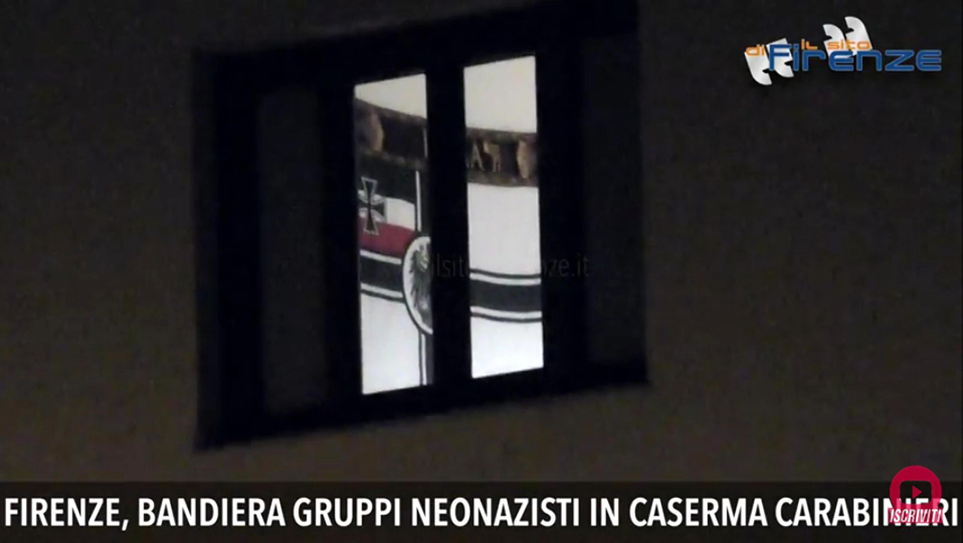 Bandiera neonazista in caserma, indagine