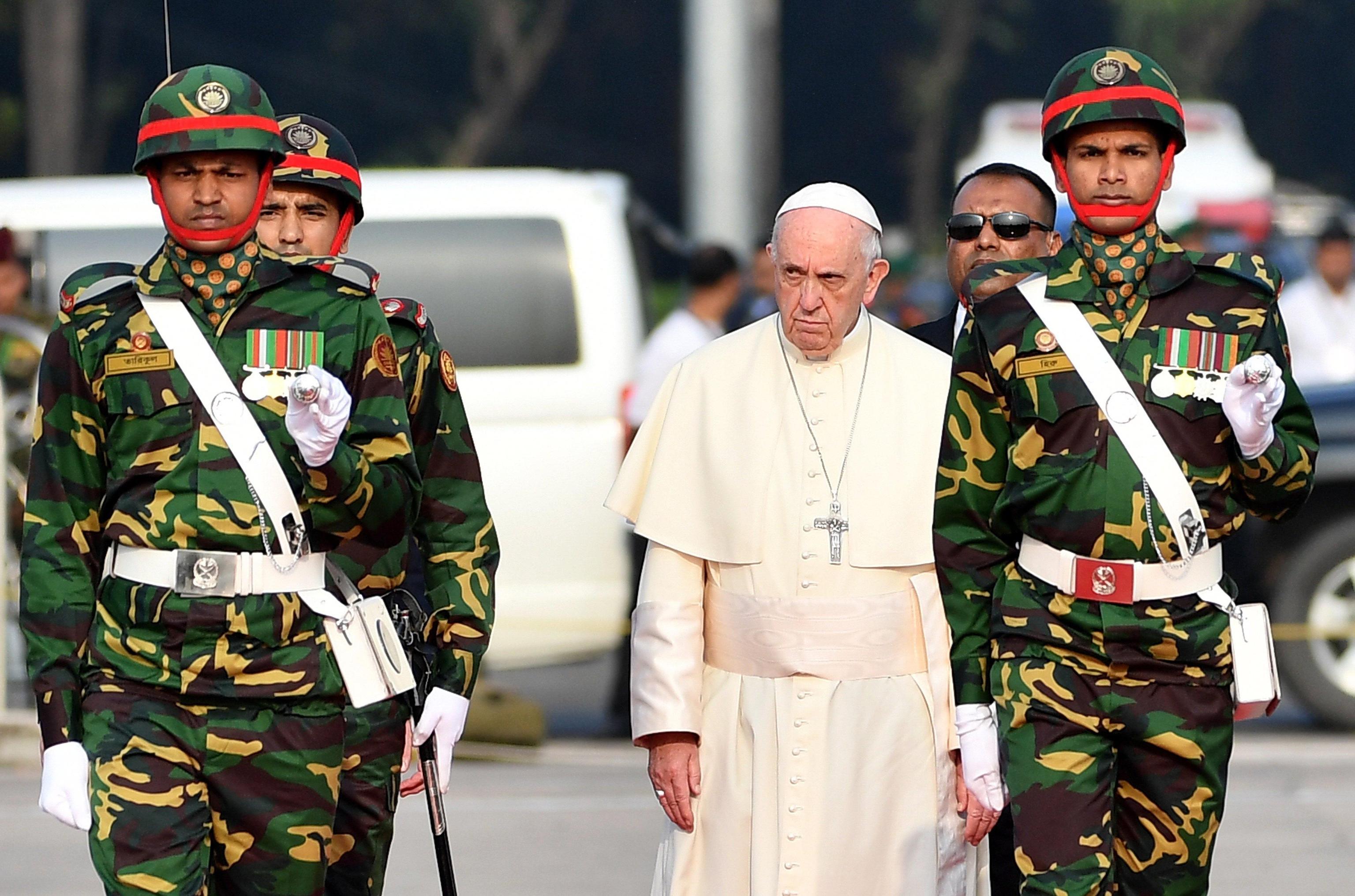Papa: fede chiusa vede solo nemici