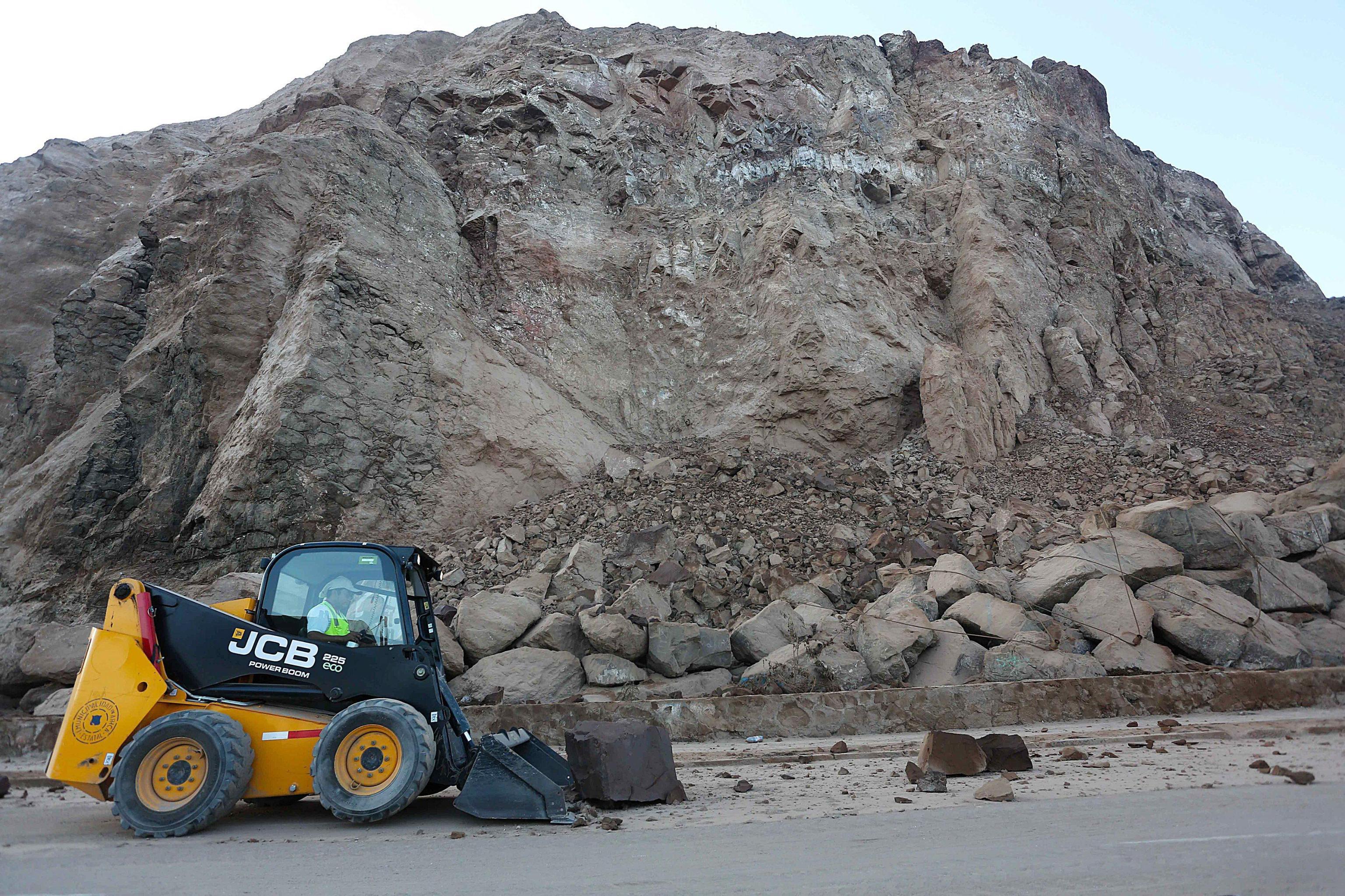 Cile: frana su villaggio, 3 morti