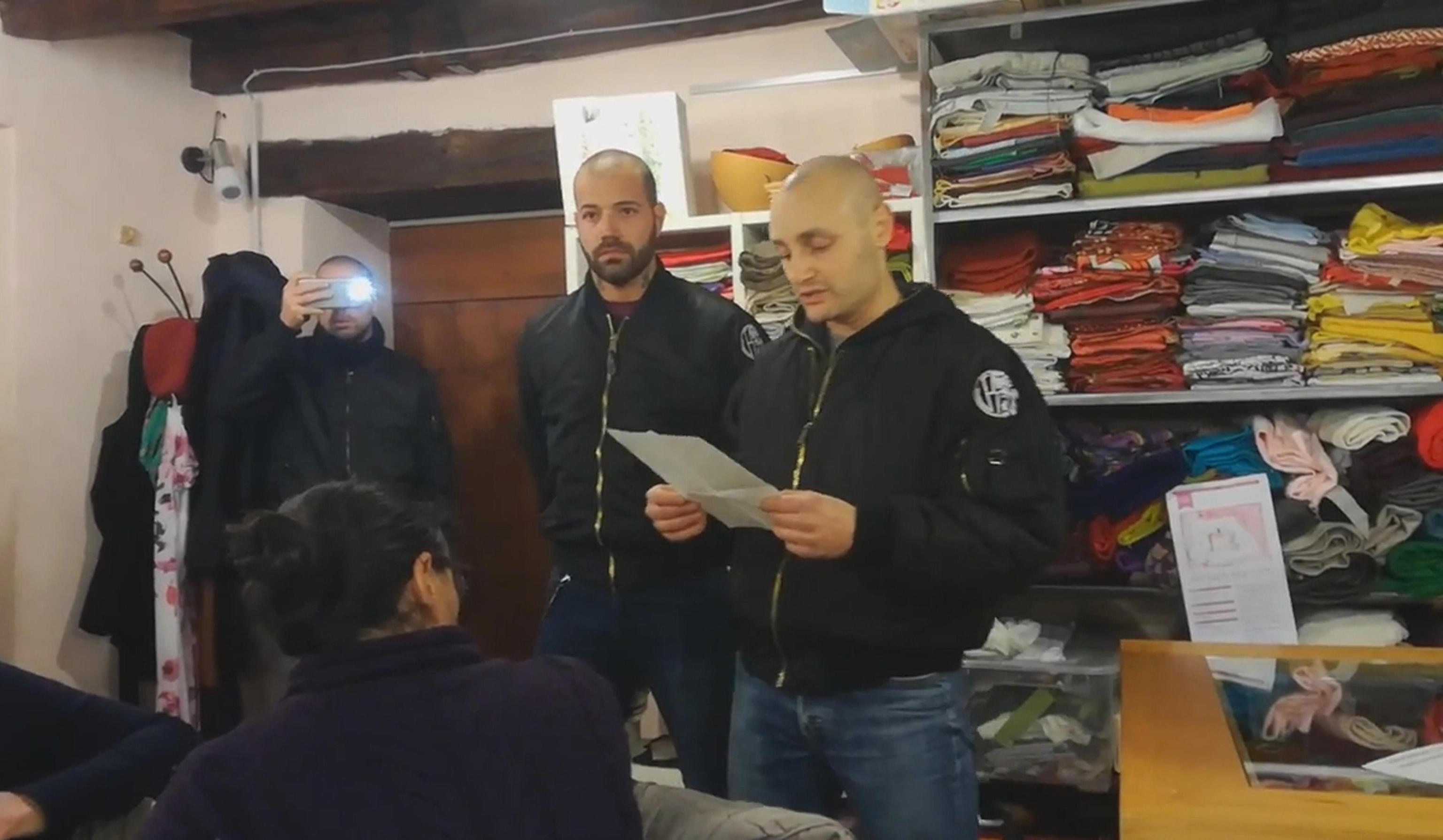 Skinheads Como: sequestrati pc e tablet